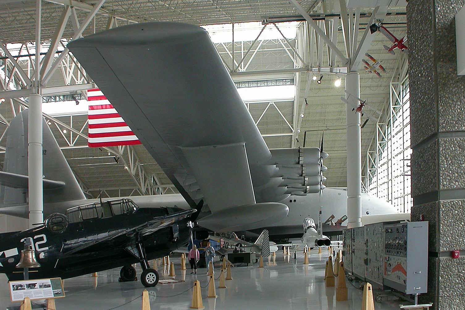 "Hughes H-4 Hercules ""Spruce goose"" (1/200ème - Minicraft Model Kits) Goose27"